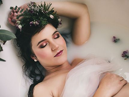 Maternity Photoshoot Makeup Services